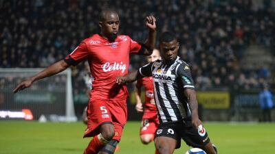 Angers afloja en su pulso con el PSG tras empatar en casa con Guingamp en Francia