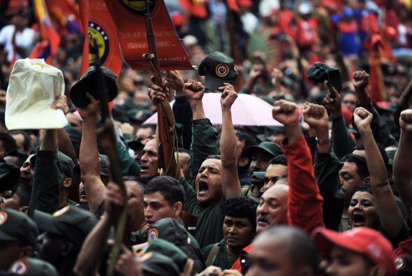 'No volverán, no volverán!' y 'Chavez no se va', eran las consignas que...