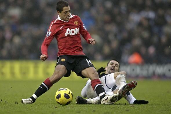 El jugador mexicano, Javier Hernández, estaba de suplente pero ingresó e...