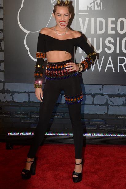 Pero, si ya era famosa, Miley se convirtió en tema mundial el día que du...