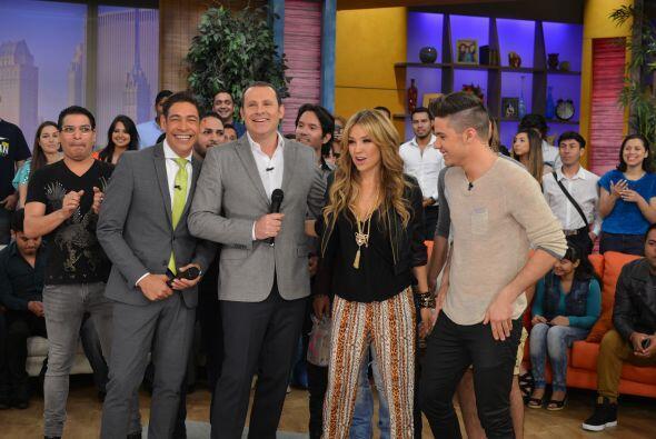 Thalía estaba feliz de estar en Despierta América.