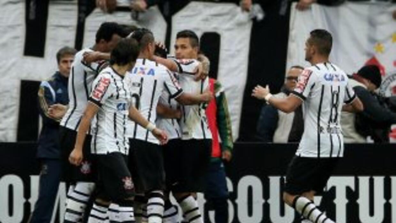 Corinthians derrotó 2-0 a Palmeiras con anotaciones de Paolo Guerrero y...