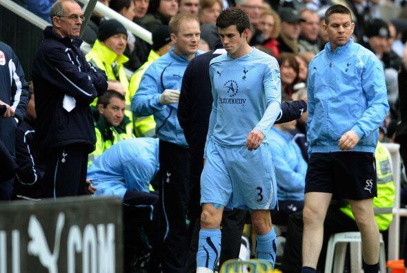 La mala noticia fue la lesión del excelente volante Bale, que se retiró...