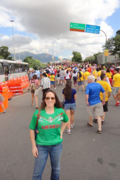 Las personas llegaban a Maracaná a través de autobuses, taxis y el Metro...