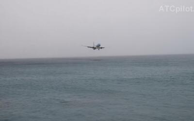 El videíto: mira el susto que se llevó este piloto al intentar aterrizar...