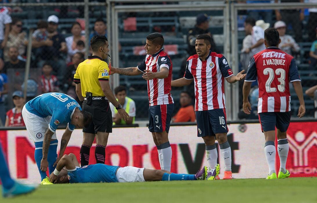 ¡Funcionó la Bruja! Cruz Azul venció 2-1 a Chivas Adonai Escobedo muestr...