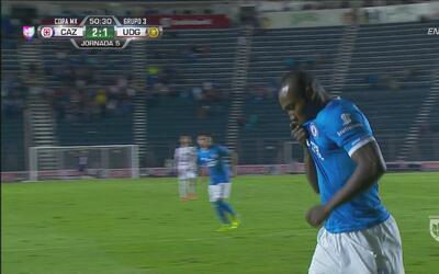 Cruz Azul le da la vuelta al marcador con gol de Guerrón