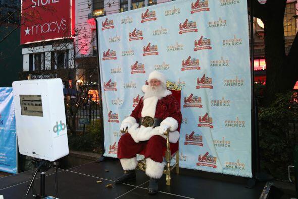 En la ciudad de Nueva York, Santa hizo acto de presencia en Herald Squar...