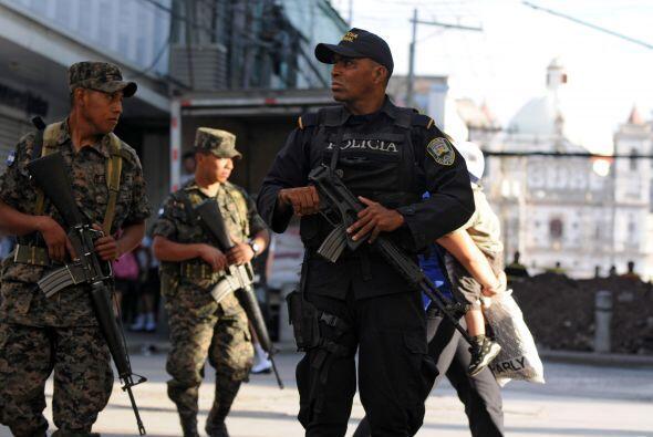 En Honduras hasta 20 personas son asesinadas cada día. El país esta regi...