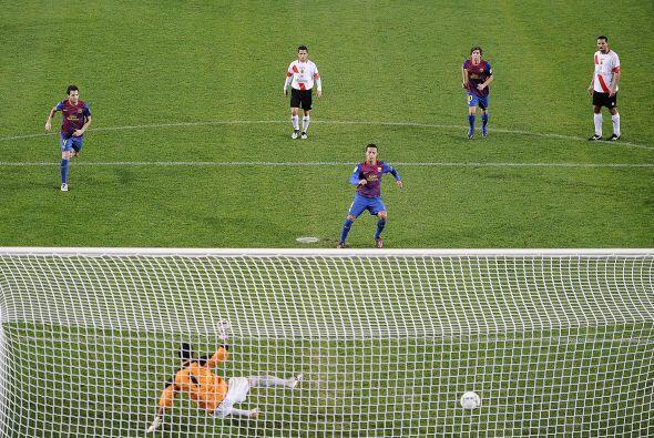 Otro penalti se marcó y esta vez fue Thiago quien lo convirtió en gol, s...