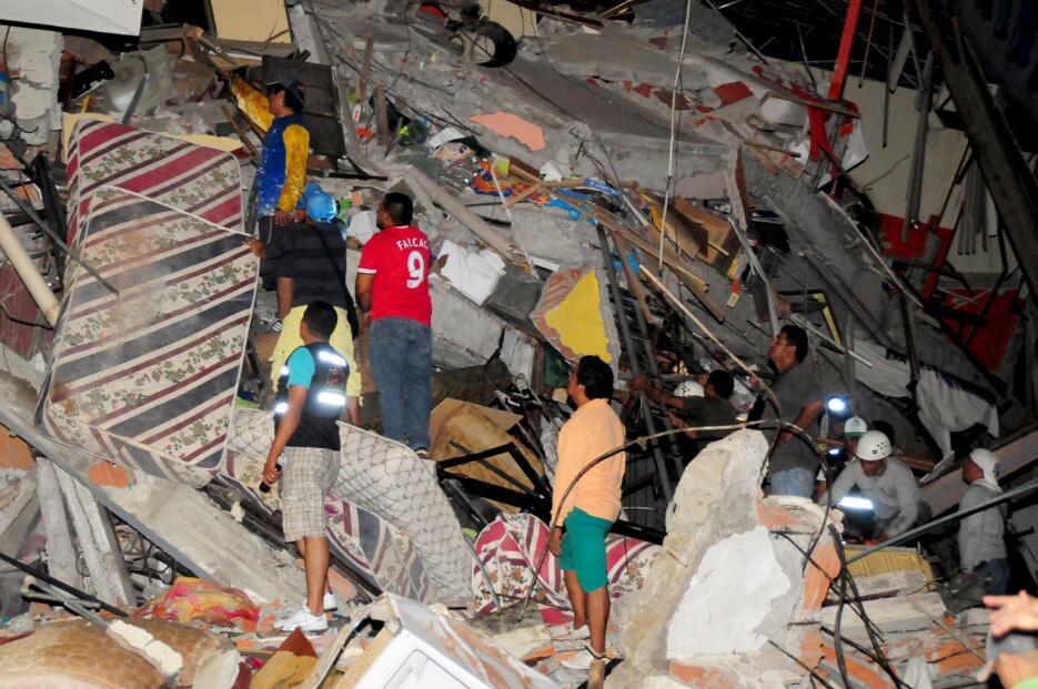 La devastación dejada por el potente terremoto en Ecuador ecuador5.JPG