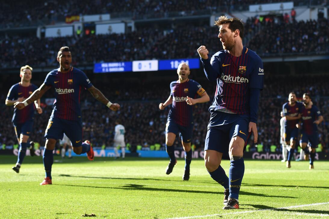 El Real Madrid poco pudo hacer para frenar el paso perfecto del Barcelon...