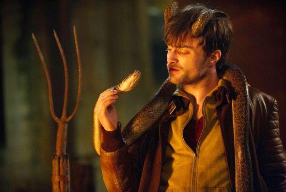 Ig Perrish un día despierta y se da cuenta que le crecieron unos cuernos...