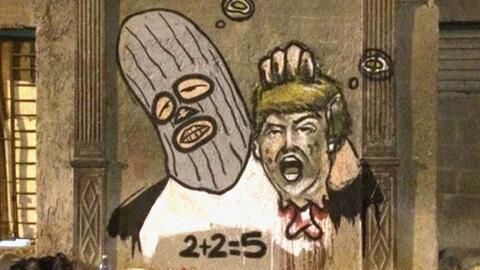 2 +  2 = 5 decapita a Trump