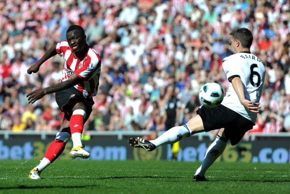 Por otra parte, Fulham aprovechó las situaciones y goleó al Sunderland 3...