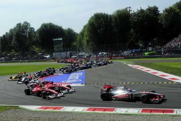 El Mercedes-McLaren de Button encabezó el pelotón del Gran...