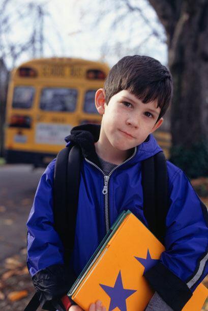Entre las señales claves está evitar ir a la escuela o subirse al autobu...
