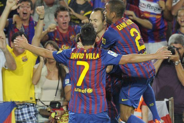 El Camp Nou, donde se jugaba el partido, estalló de júbilo.