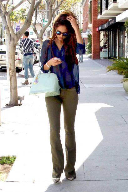 El 'look' de Eiza Gonzalez también nos pareció una excelente alternativa...