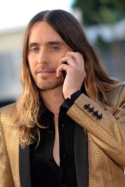 El actor y cantante se ve genial a sus 42 años. Mira aquí los videos más...