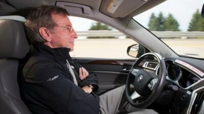 Cadillac planea vender su primer vehículo autónomo en 2016.