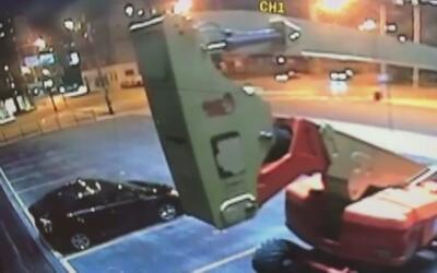 Una mujer muere tras chocar de frente contra un poste en River North