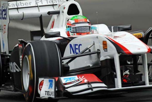 El Sauber de Pérez no se vió involucrado en ningúin accidente, pero el t...