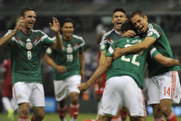 Esa noche México se adelantó con gol de Oribe Peralta pero cuando se ace...