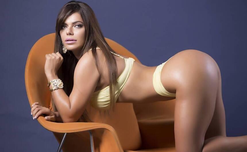 Suzy es una candente brasileña y actualmente es la Miss Bumbum Brasil 20...