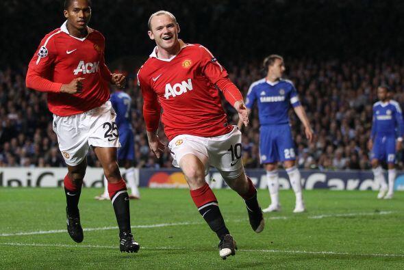 Wayne Rooney concretó una excelente jugada de los visitantes.