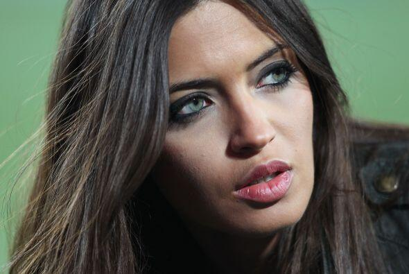 La periodista española se ha hecho de fama en su país por su belleza.Tod...