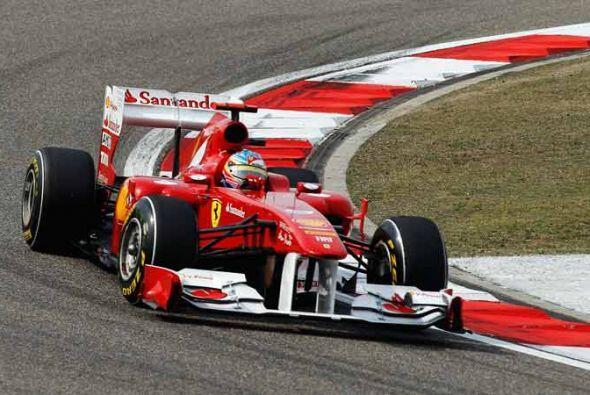 El Ferrari de Fernando Alonso todavía no está a la altura de los Red Bul...