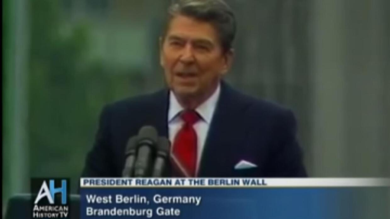"""Hace 30 años, Reagan hizo este histórico llamado a """"derribar el muro"""""""