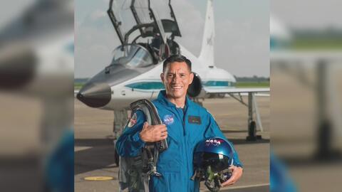 Un hispano criado en Miami es uno de los 12 nuevos astronautas elegidos...