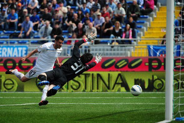 Un autogol puso en ventaja al Novara, pero Antonio Candreva logró el 1-1.