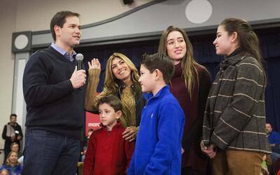 Marco Rubio rodeado de su familia en New Hampshire