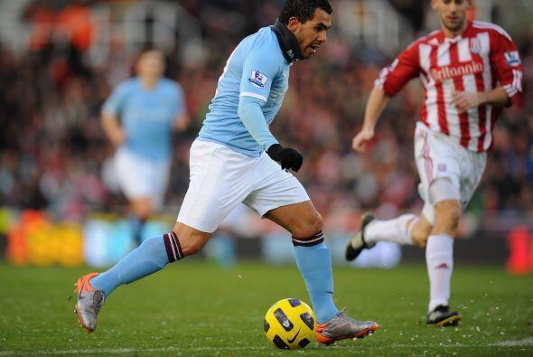 Manchester City no pudo ante el Stoke City y terminó empatando 1 a 1.