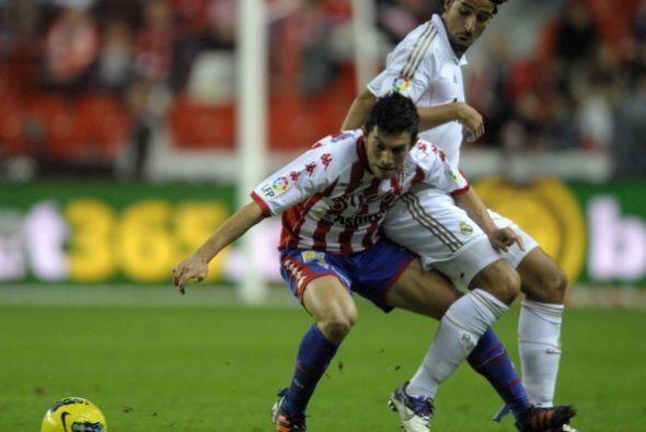 El Madrid fue mucho más que su rival y dejó bien claro que va derecho al...