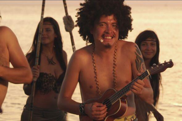 Mientras El Faquir tocaba la guitarra como solo él sabe hacerlo.