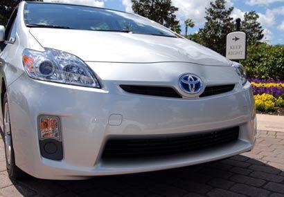 Cuenta con funciones exclusivas de Lexus como Cruise Control y  asistenc...