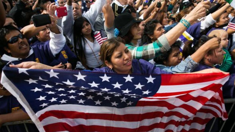 El beneficio migratorio protege a unos 195,000 salvadoreños indocumemnta...