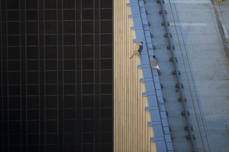 """La moda del """"rooftopping"""" en Hong Kong consiste en subirse a e..."""