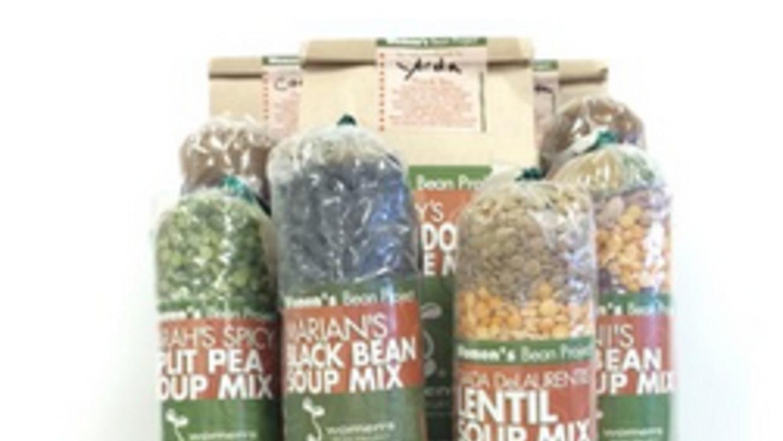 Canasta de frijoles y mezclas de granos para preparar sopas de antología.