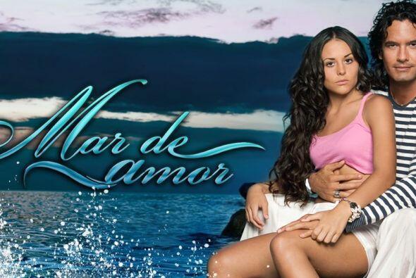"""Zuria Vega y Mario Cimarro protagonizaban """"Mar De Amor""""."""
