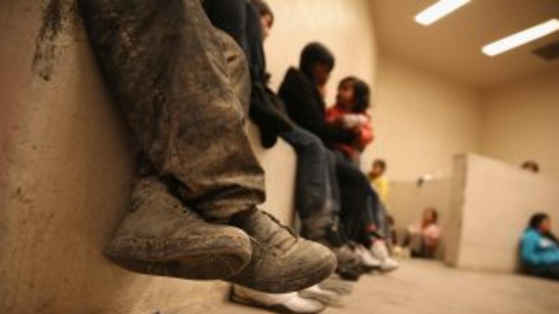 Inmgrantes indocumentados en un centro de detención de Texas.