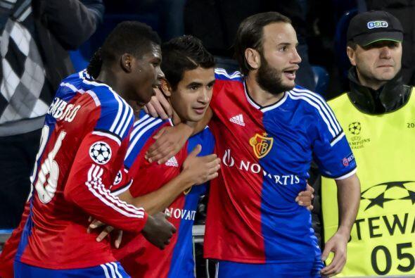 El Basel venció sin apuros 4-0 al Ludogortes con goles de Embolo, Derlis...