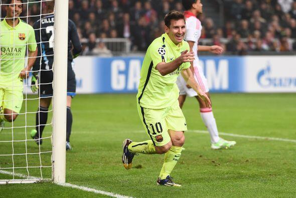 Messi que estuvo en plan grande y alcanzó el récord de Raúl al anotar lo...