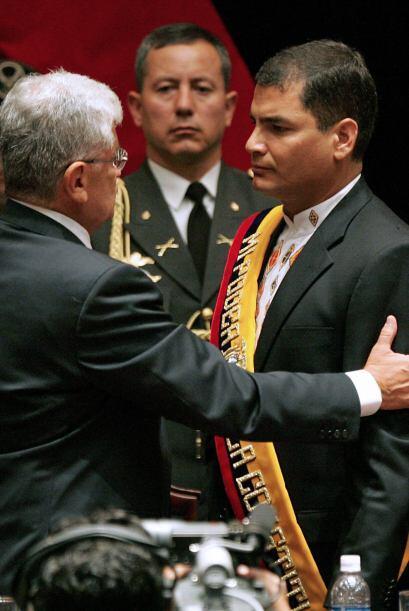 El presidente Palacio conlcuyó su mandato en 2007, año en que asumió Raf...