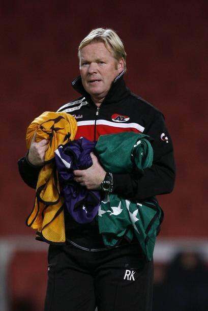 En su aventura más reciente, Koeman firmó con el Feyenoord de Rotterdam...