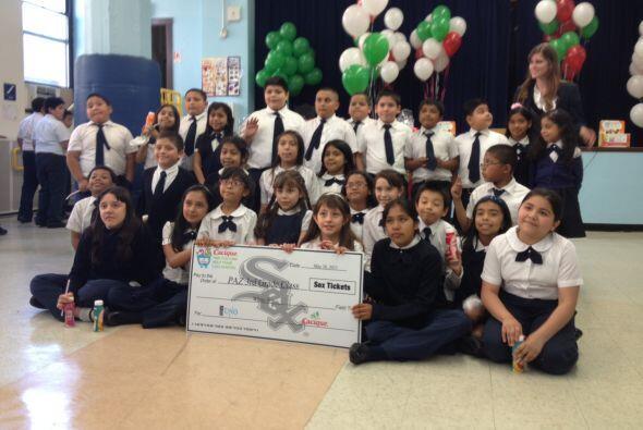 Estudiantes del tercer grado celebraron en grande todos los premios y re...